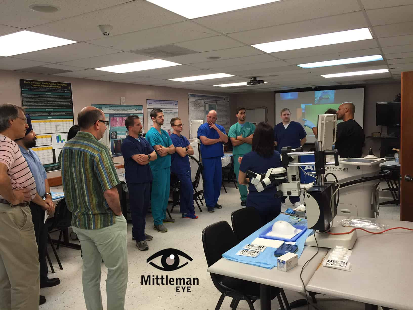 Dr. Mittleman Trains Future Ophthalmologists